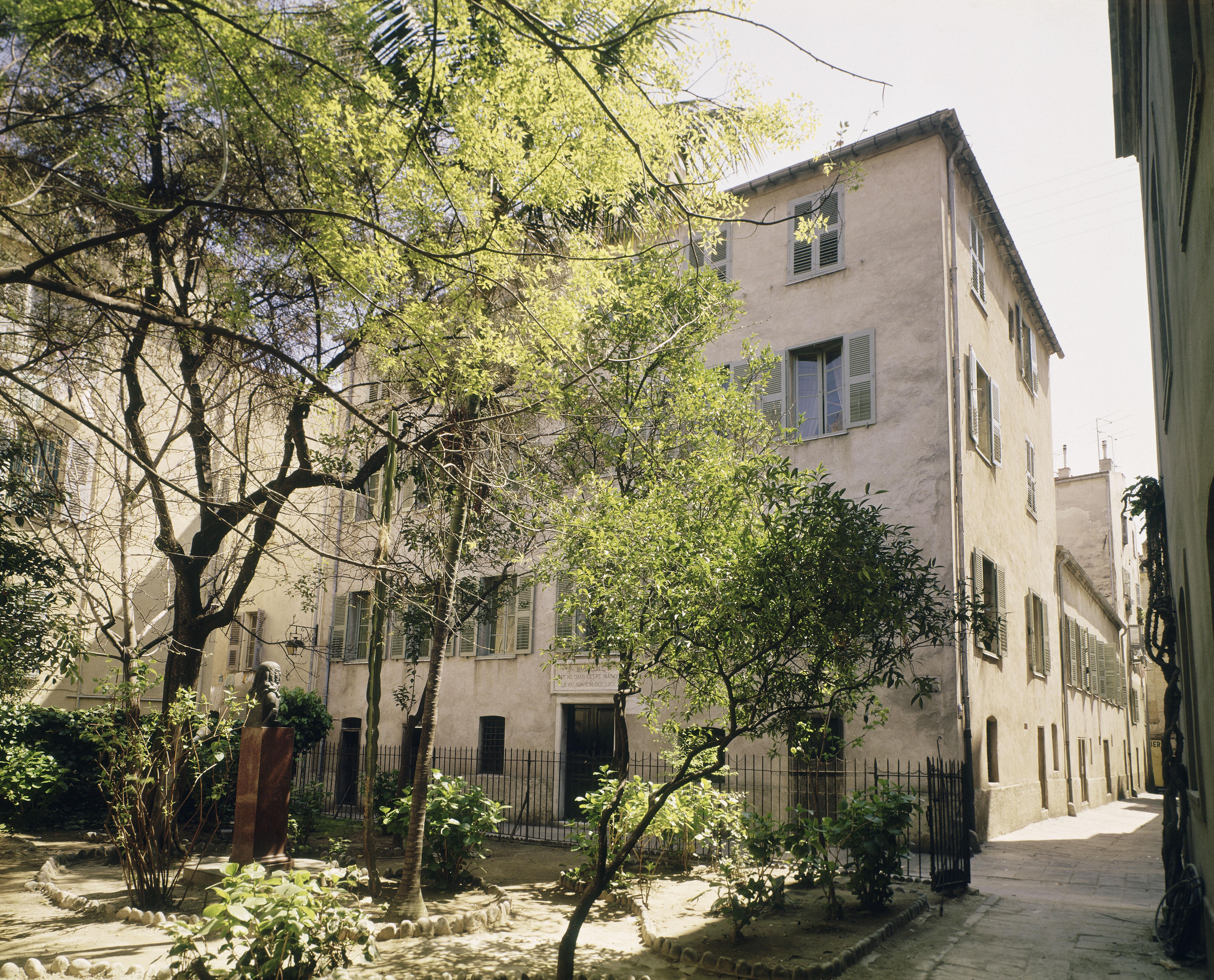 Tour de france des mus es nationaux mus e de la maison bonaparte ajaccio rmn grand palais - Boutique des musees nationaux ...