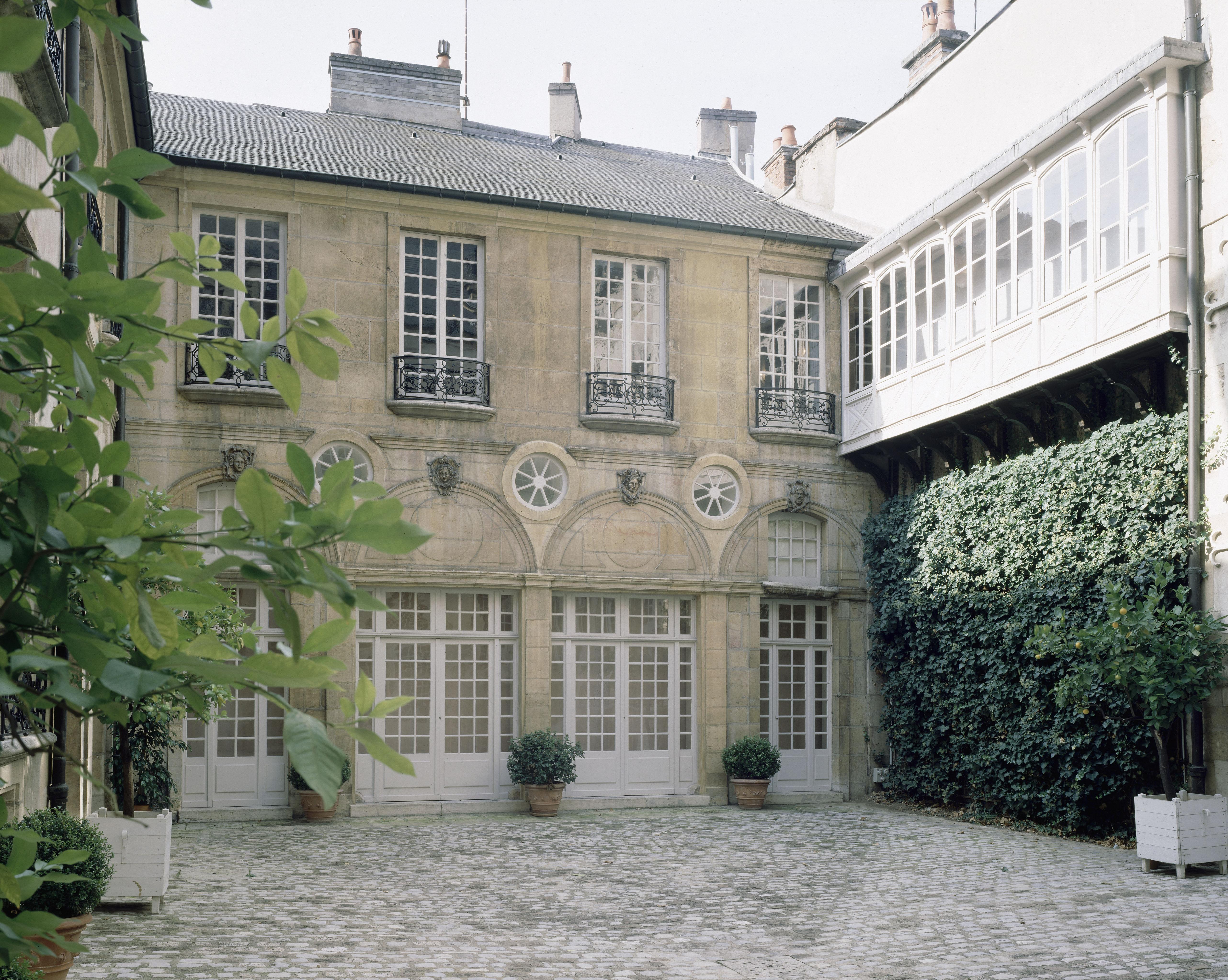 Tour de france des mus es nationaux mus e magnin de dijon rmn grand palais - Boutique des musees nationaux ...