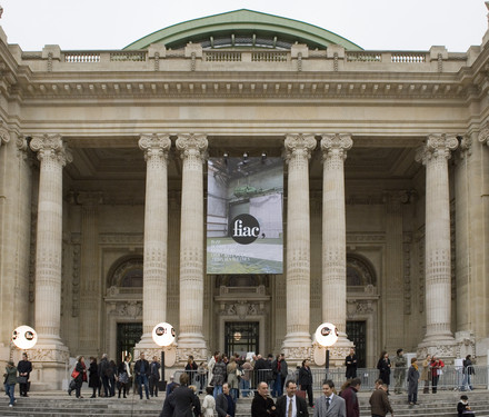 See the media:FIAC 2007. The facade of the Grand Palais