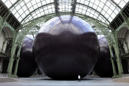 See the media:A visitor stunned by Anish Kapoor's Leviathan