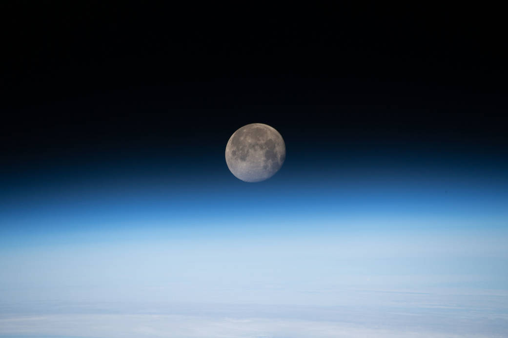 Image Nasa de la lune prise par la station internationale